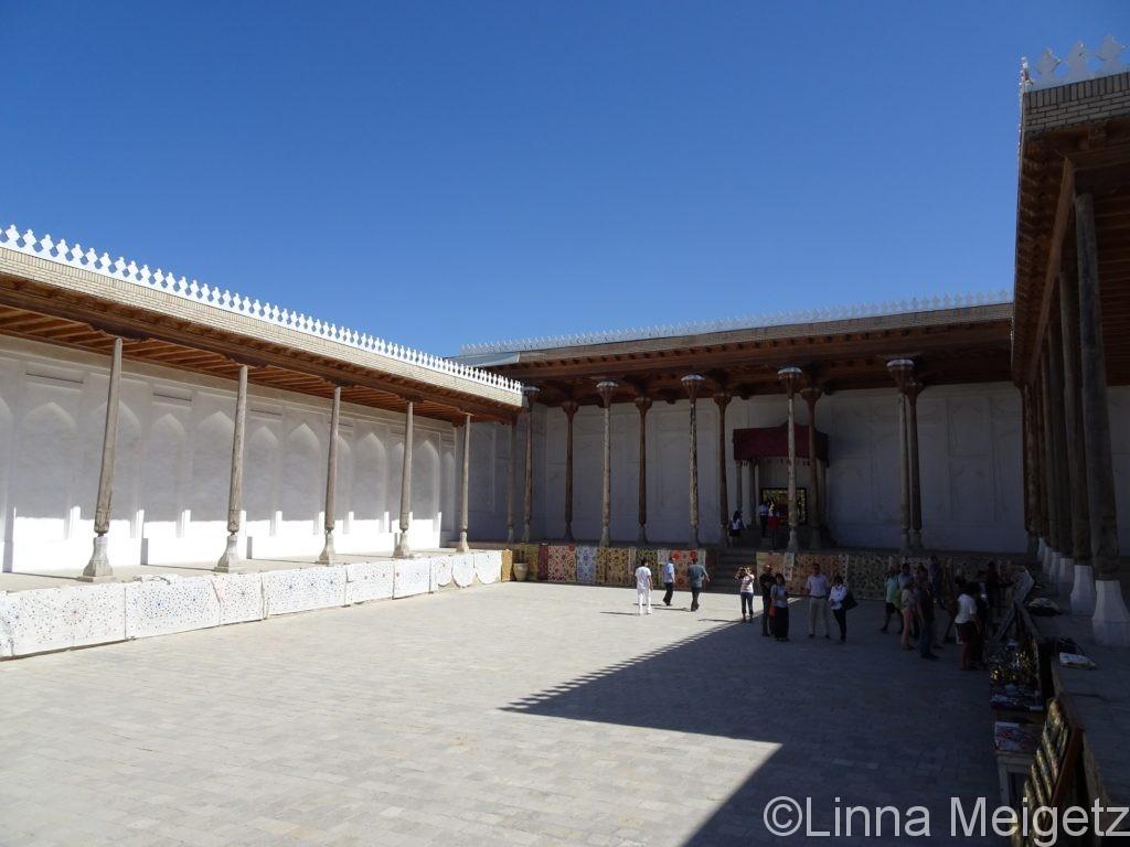 アルク城の戴冠の広間