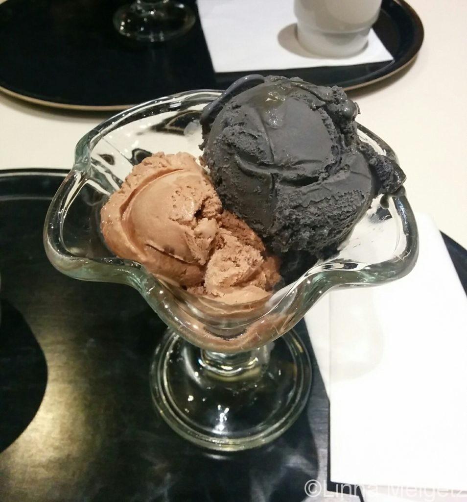 サルミアッキのアイスクリームも。Fazer Cafeにて