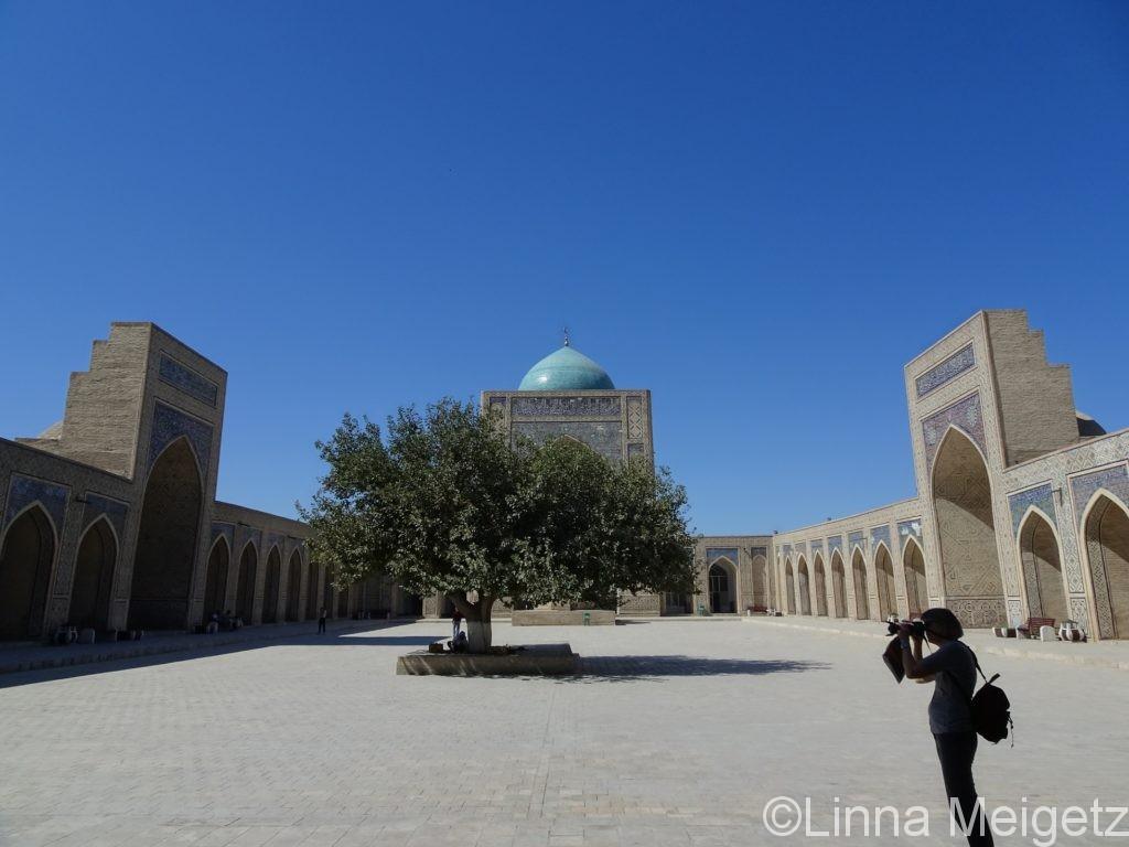 カラン・モスクの中庭