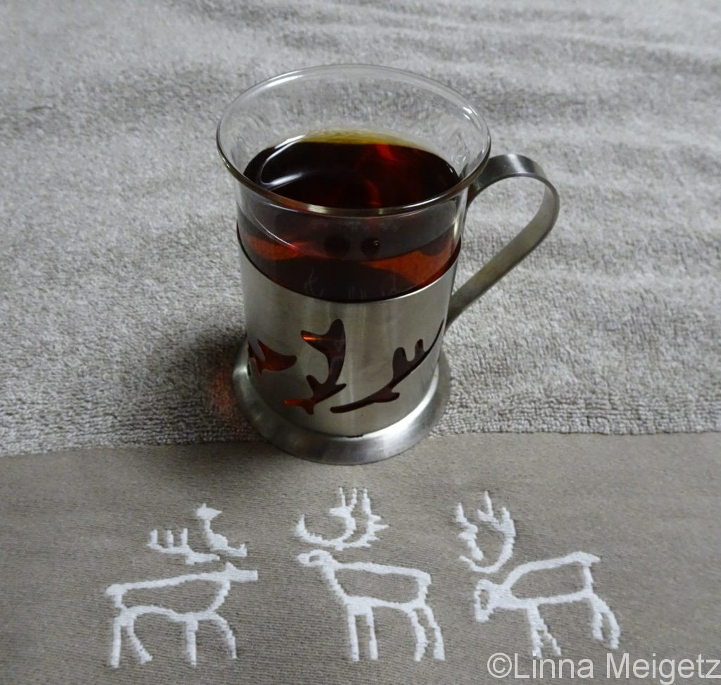 PENTIK、Saagaのマグカップとタオル