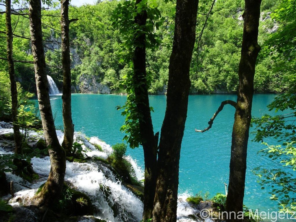 Milanovac湖と滝