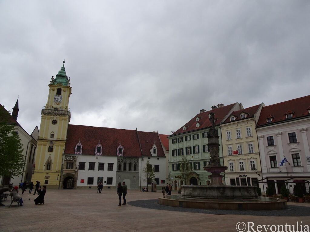 ブラチスラヴァ旧市街の中心にある広場