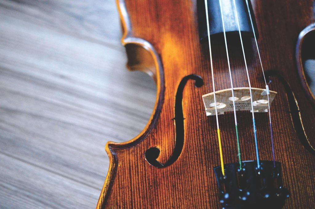 バイオリン(フィンランド語でviulu)の写真