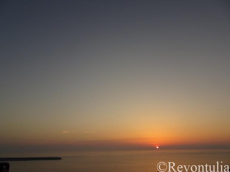 サントリーニ島から見た夕焼け