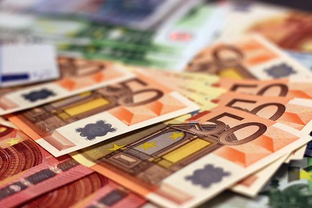 ユーロの紙幣の写真