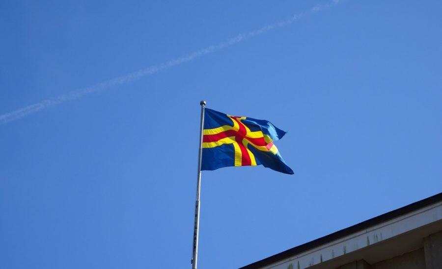 オーランド諸島の旗