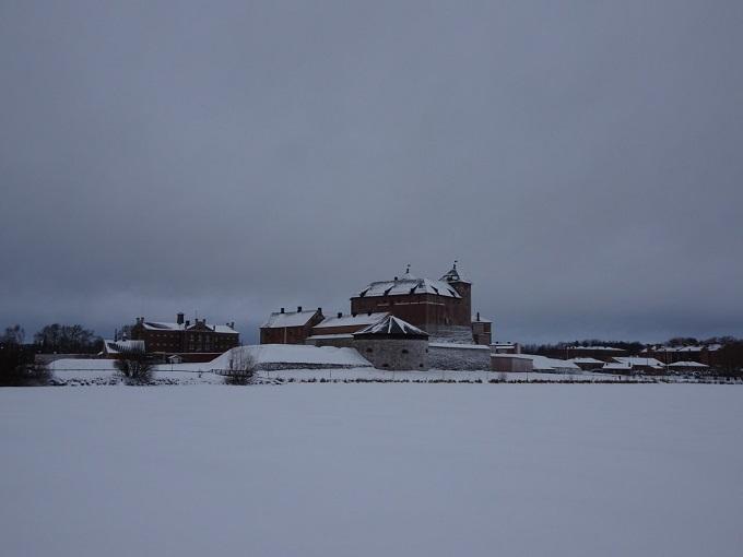 雪に覆われたハメーンリンナのハメ城