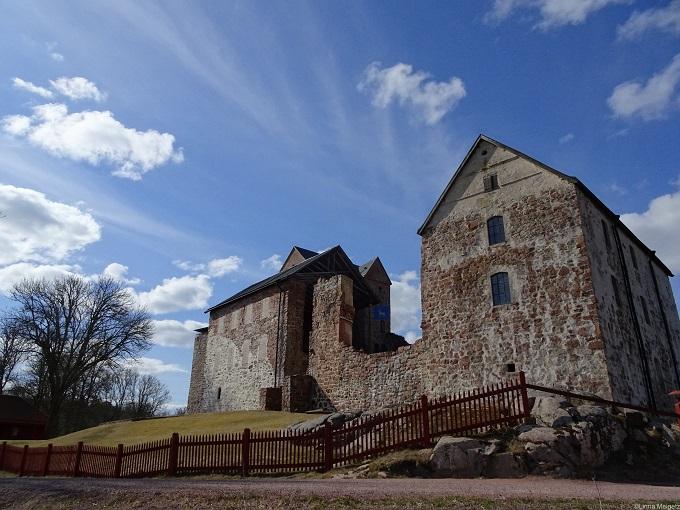 住んだ青空の下のカステルホルム城。閉まってて中には入ってないけど紹介します