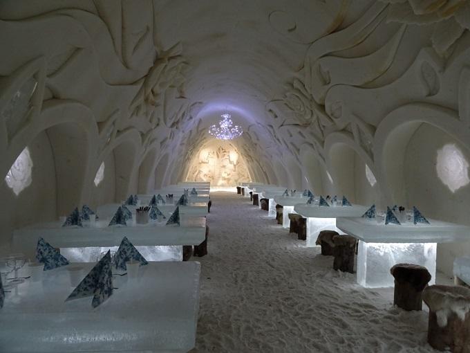 ケミに期間限定で出現する雪の城、ルミリンナ