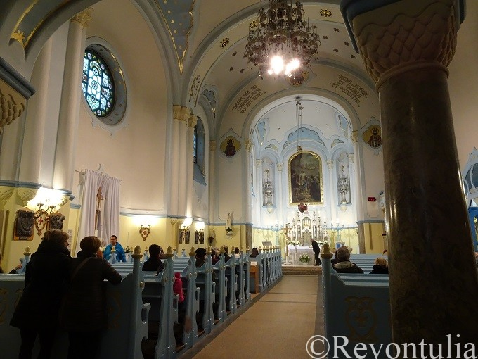 ブラチスラヴァにある青の教会内部