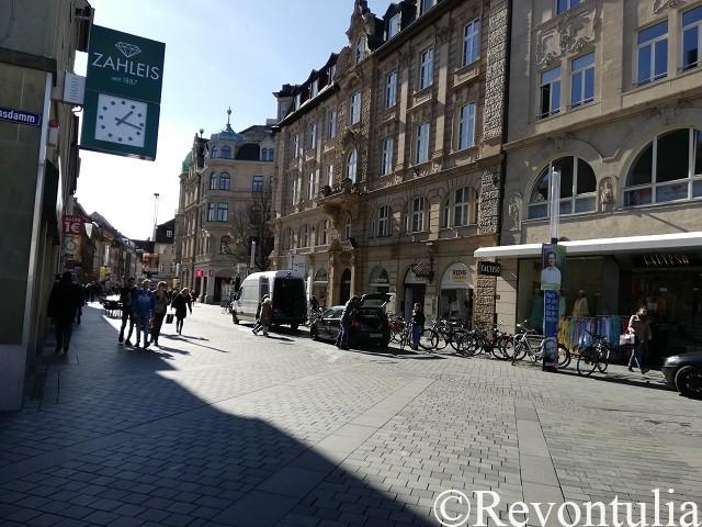 バンベルク駅から旧市街へ至る道