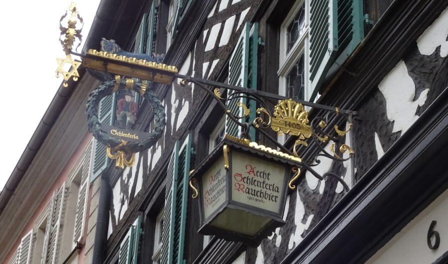 バンベルクのシュレンケルラ(Schlenkerla)の吊り看板