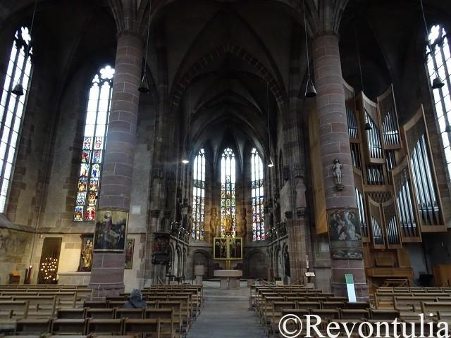 聖母教会内部