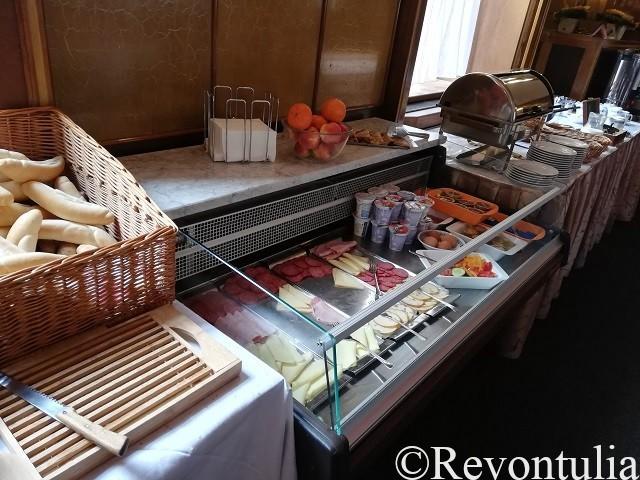 Hotel Slovan Plzeňでの朝食ビュッフェ