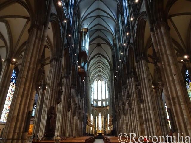 ケルン大聖堂の内部