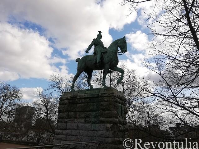 フリードリヒ三世の像