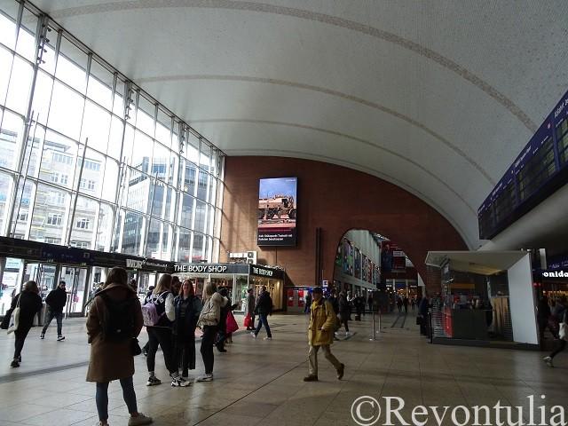 ケルン中央駅のロビー