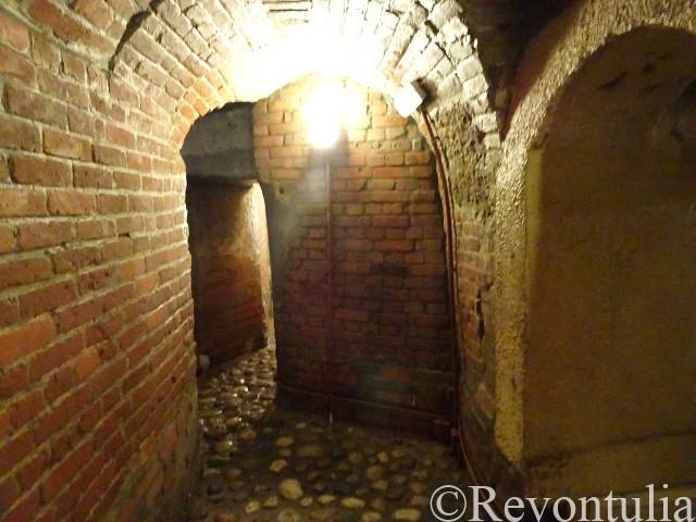 プルゼニの地下通路のレンガで補強された場所