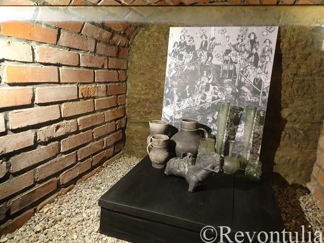 プルゼニの地下通路で出土した食器
