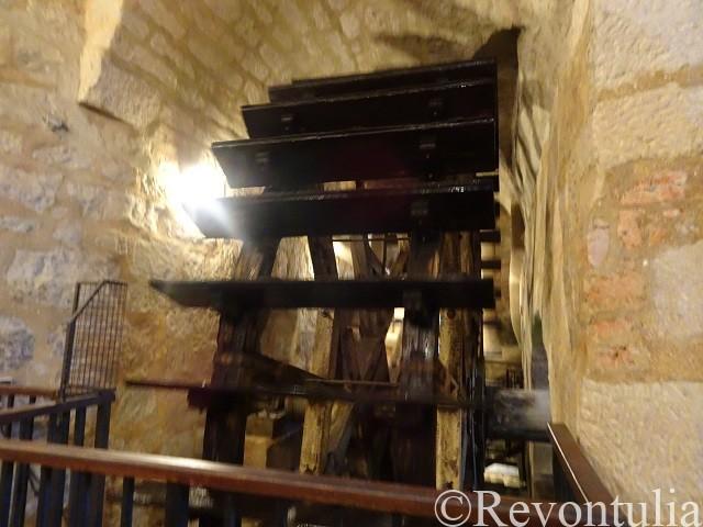 プルゼニの地下通路にあった水車