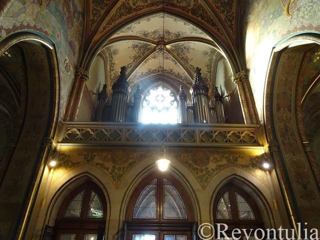 聖ペテロ聖パウロ教会のパイプオルガン