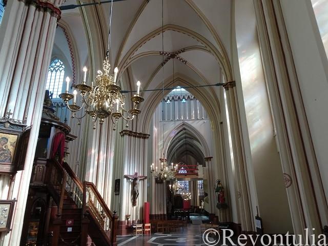 ブルッヘの聖サルバトール大聖堂の内部