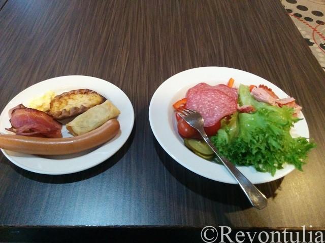 ヘルシンキのホテル朝食の一例