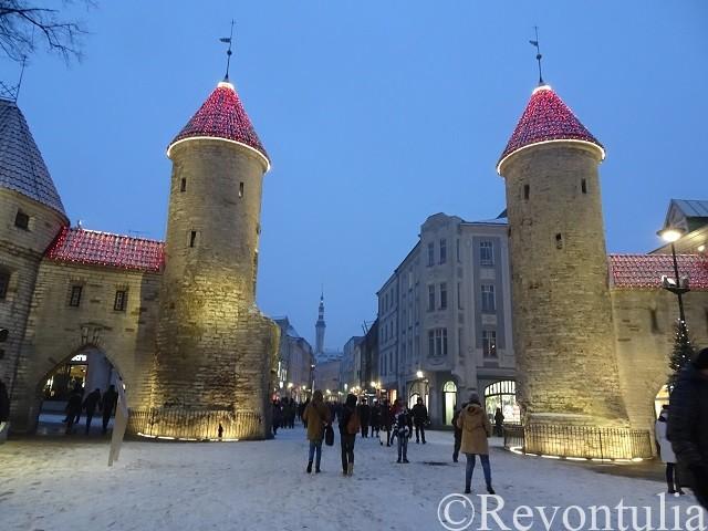冬のヴィル門