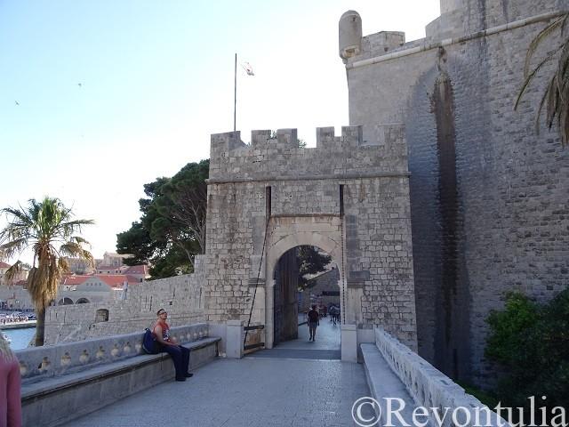 ドゥブロヴニクの城門