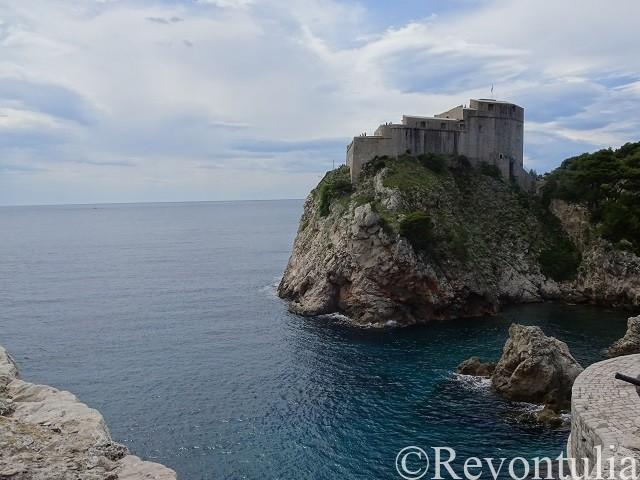 城壁から見た岬