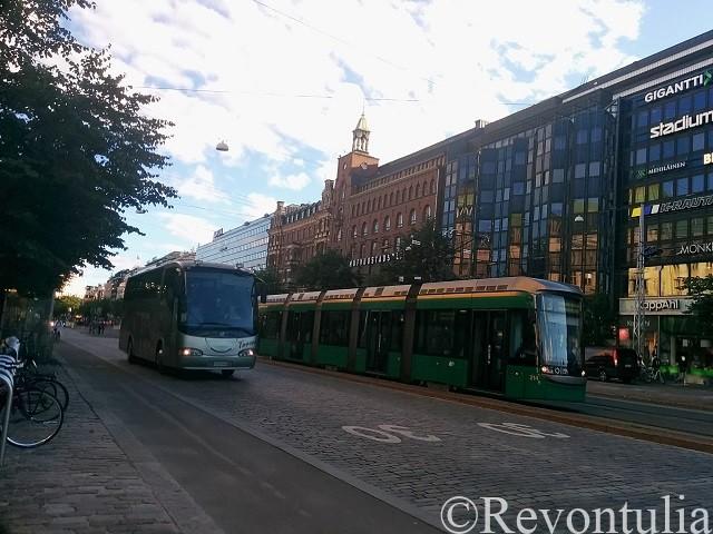 ヘルシンキのトラムとバス