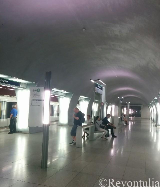 ブダペストのラーコーツィ広場駅