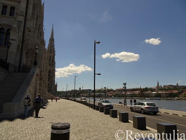ブダペスト国会議事堂とドナウ川
