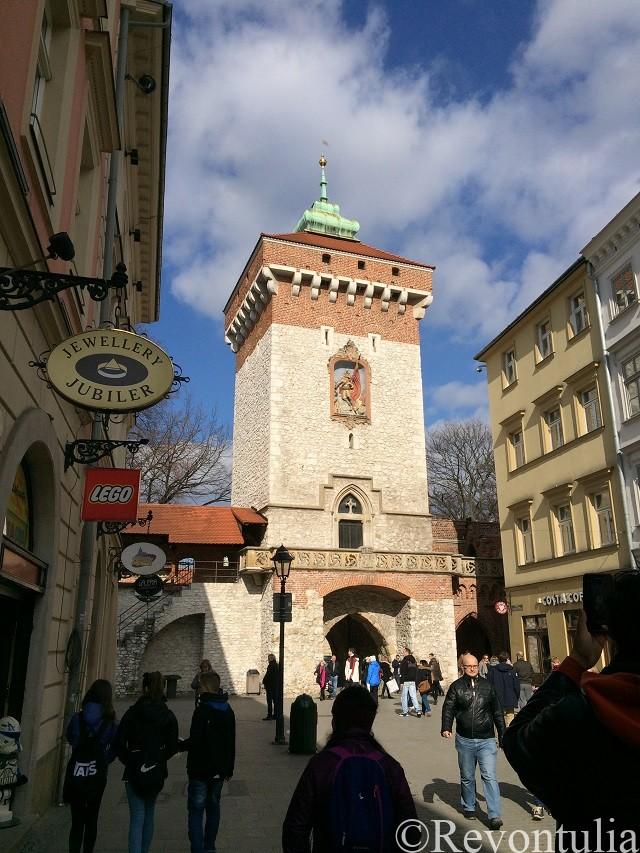 クラクフ旧市街の城壁の門