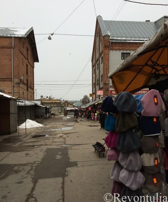 リガ新市街のマーケット