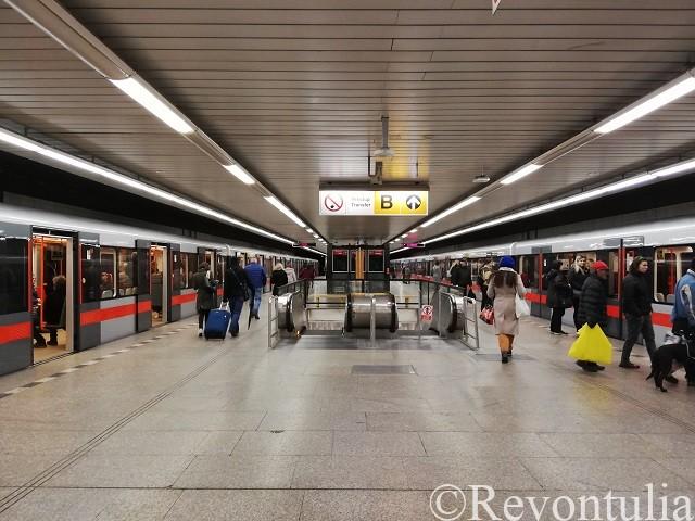 プラハのとある地下鉄の駅