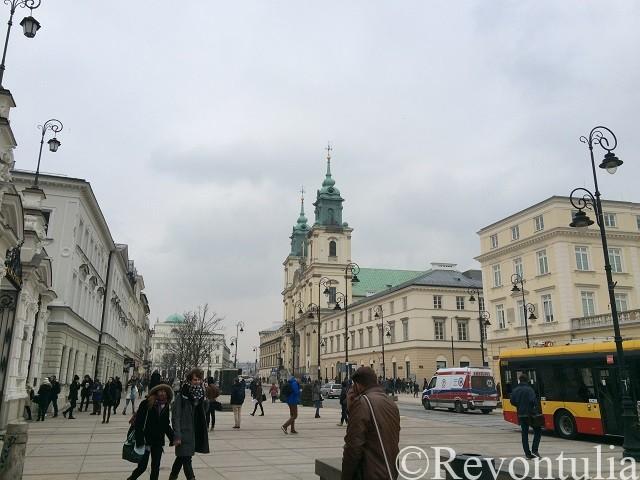 ワルシャワ旧市街の聖十字教会