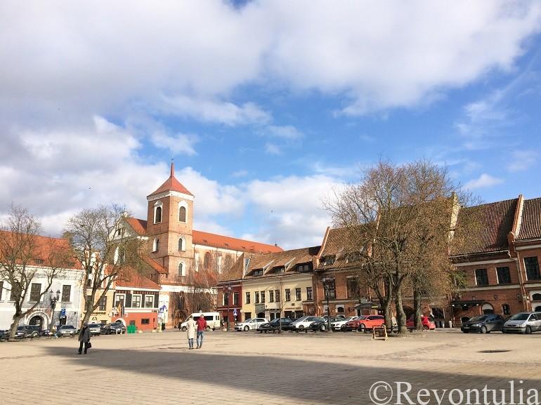 カウナスの市庁舎広場
