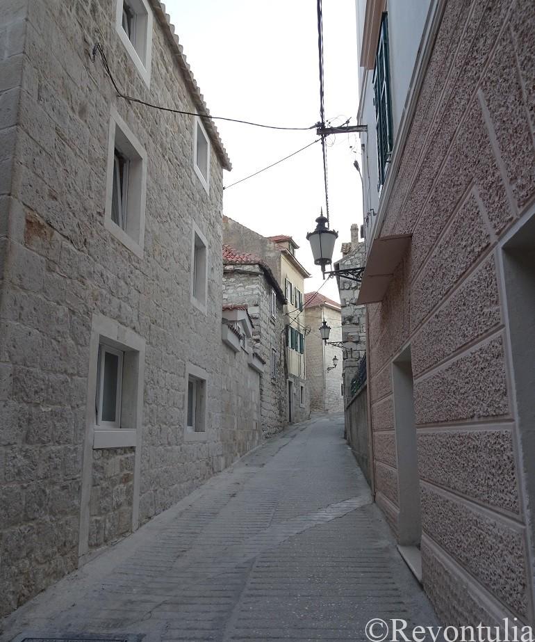 スプリット旧市街からマルヤンの丘への道