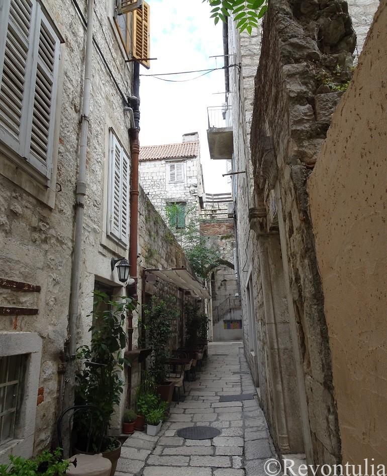 スプリット旧市街の狭い路地