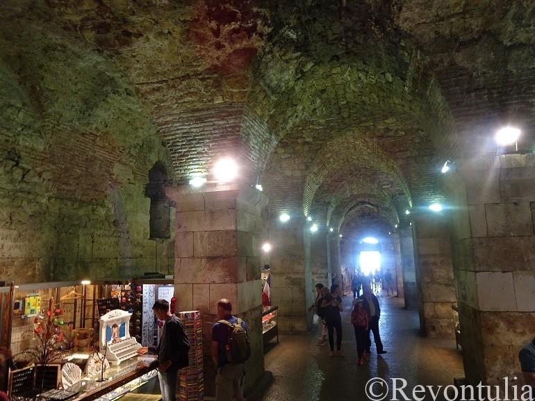 スプリットの地下宮殿