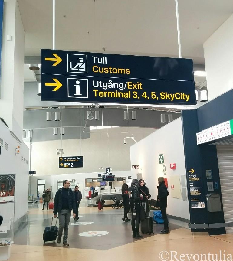 ストックホルムのアーランダ空港にて