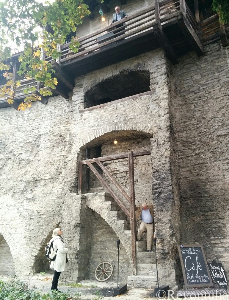 タリンのカフェdannebrogの入り口