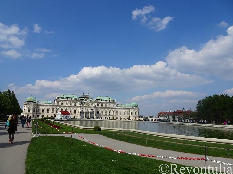 ウィーンのベルヴェデーレ宮殿の遠景