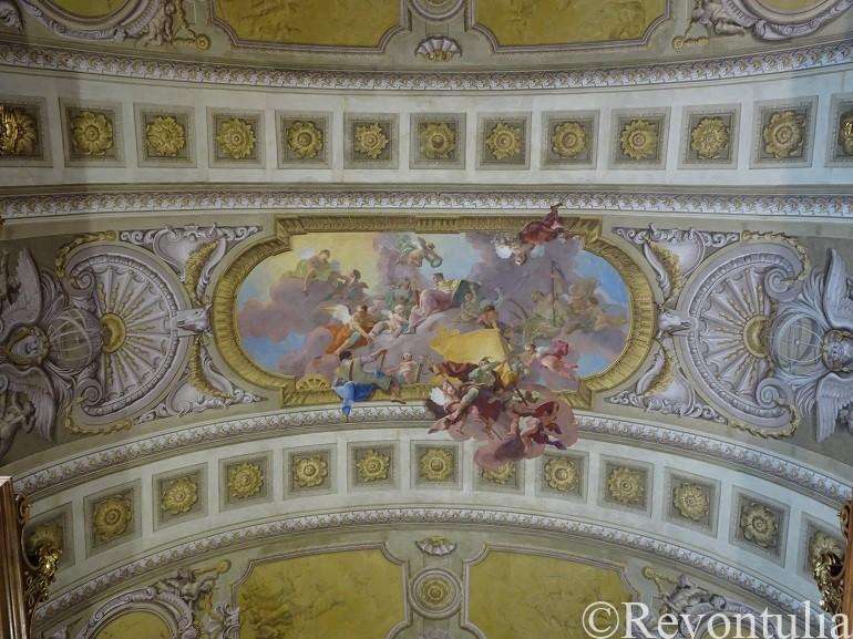オーストリア国立図書館の天井画