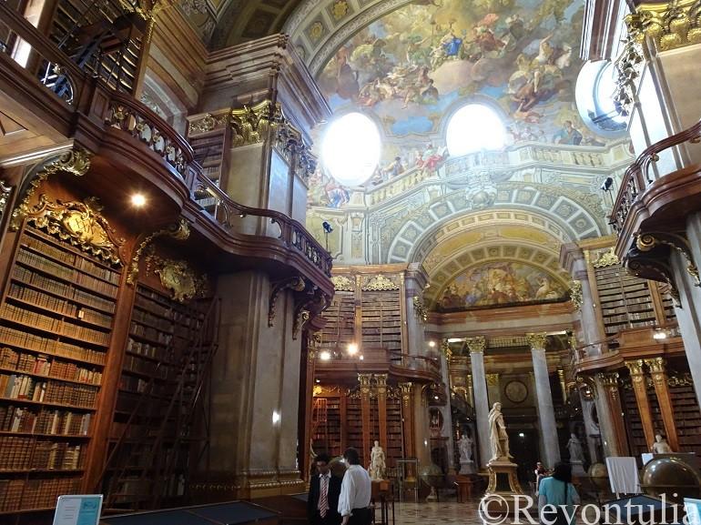 オーストリア国立図書館の内部