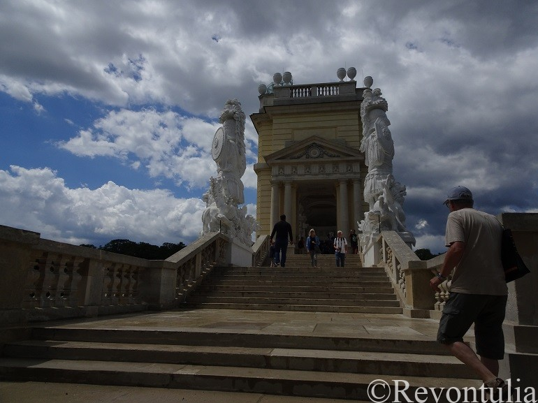 シェーンブルン宮殿のグロリエッテ