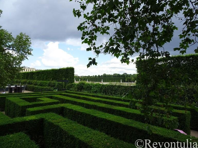 シェーンブルン宮殿の迷路のような庭園