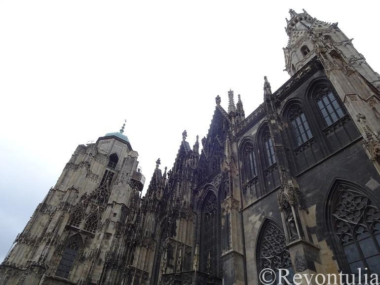 ウィーンのシュテファン大聖堂外観