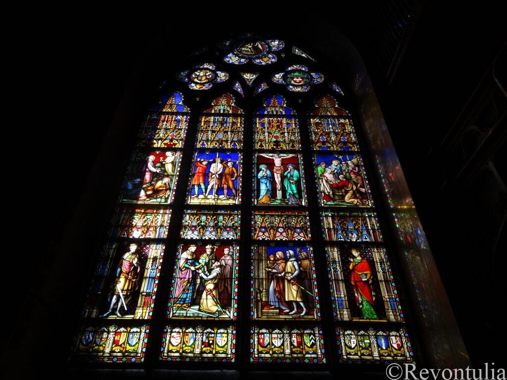 ブルージュの教会のステンドグラス